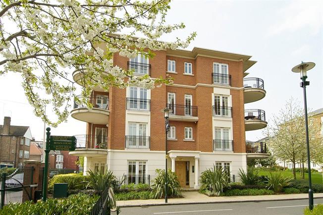 £2,400 per Calendar Month, 2 Bedroom Apartment To Rent in Twickenham, TW1