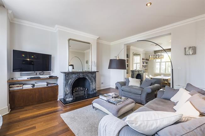 £5,250 per Calendar Month, 3 Bedroom Apartment To Rent in Richmond, TW10