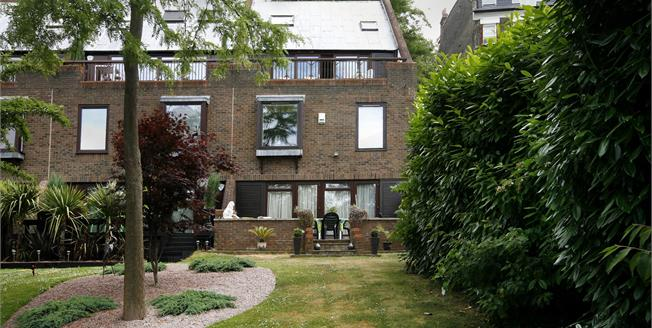 £4,950 per Calendar Month, 4 Bedroom Town House To Rent in Richmond, TW10
