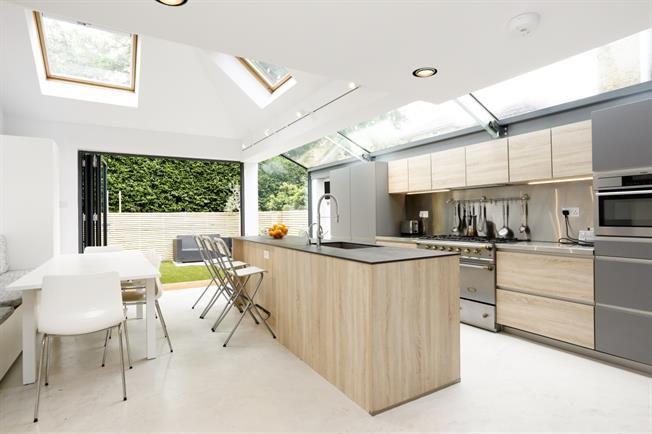 £5,500 per Calendar Month, 4 Bedroom Semi Detached House To Rent in Richmond, TW10