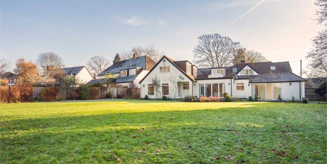 £3,750 per Calendar Month, 5 Bedroom Detached House To Rent in Rickmansworth, WD3