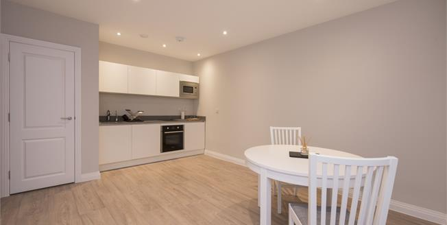 £1,150 per Calendar Month, 1 Bedroom Apartment To Rent in Rickmansworth, Hertfordsh, WD3