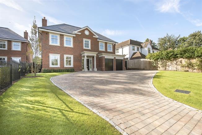 £5,500 per Calendar Month, 6 Bedroom Detached House To Rent in Rickmansworth, Hertfordsh, WD3