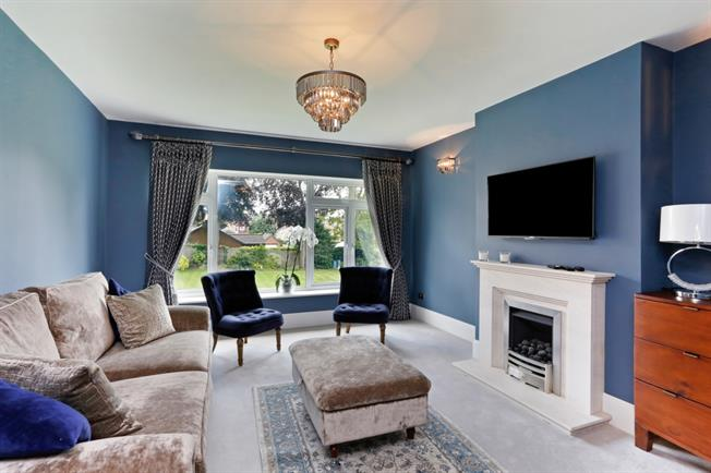£2,300 per Calendar Month, 2 Bedroom Apartment To Rent in Watford, WD17