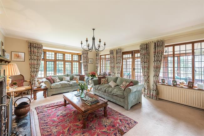 £6,500 per Calendar Month, 8 Bedroom Detached House To Rent in Rickmansworth, WD3