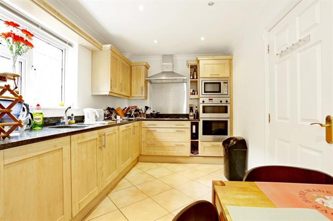 £1,700 per Calendar Month, 2 Bedroom Apartment To Rent in Northwood, HA6