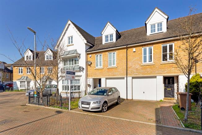 £1,850 per Calendar Month, 3 Bedroom Terraced House To Rent in Mill End, WD3