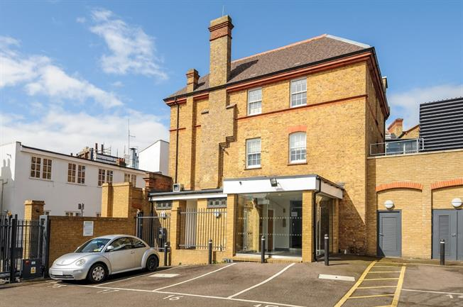 £925 per Calendar Month, 1 Bedroom Flat To Rent in Watford, WD18