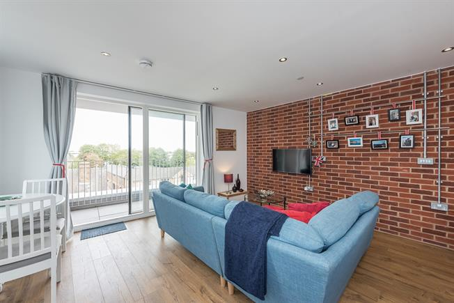 £2,250 per Calendar Month, 3 Bedroom Apartment To Rent in Watford, WD17