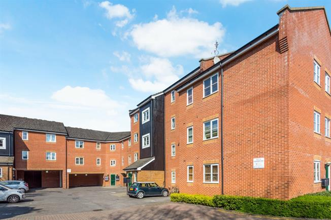 £1,600 per Calendar Month, 1 Bedroom Flat To Rent in Hemel Hempstead, HP3