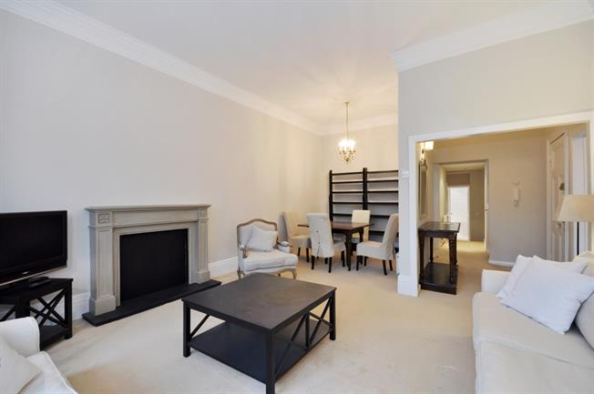 £3,445  per Calendar Month (Calculated), 2 Bedroom Flat To Rent in London, SW1W