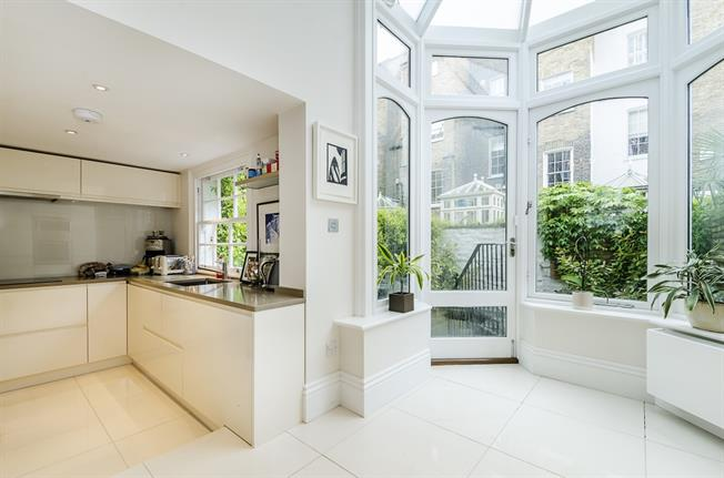 £4,983  per Calendar Month (Calculated), 2 Bedroom Flat To Rent in London, SW3
