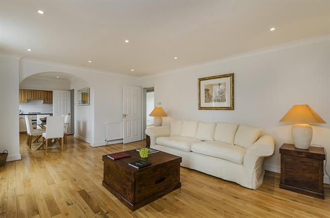 £4,116  per Calendar Month (Calculated), 2 Bedroom Flat To Rent in London, SW3