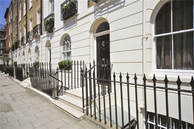 £15,166  per Calendar Month (Calculated), 4 Bedroom Terraced House To Rent in London, SW1W