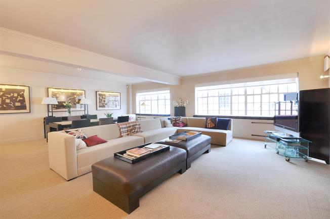 £32,500  per Calendar Month (Calculated), 5 Bedroom Apartment To Rent in London, SW1X