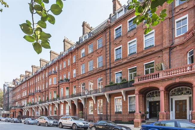 £11,483  per Calendar Month (Calculated), 4 Bedroom Flat To Rent in London, SW1X