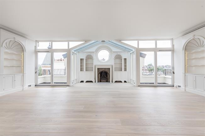 £11,158  per Calendar Month (Calculated), 4 Bedroom Penthouse To Rent in London, SW1X