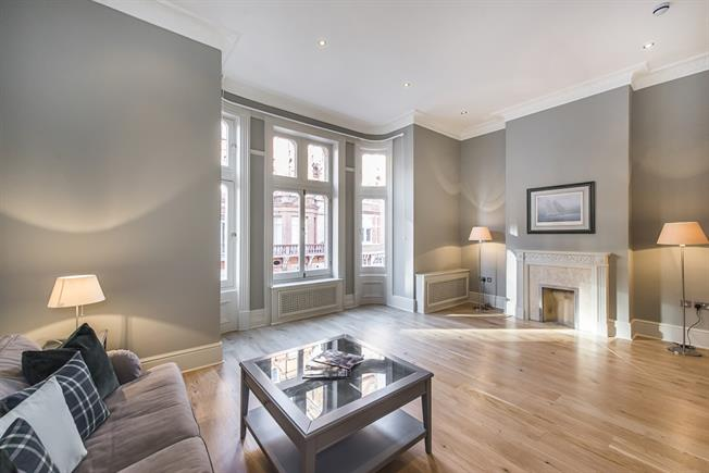 £8,450  per Calendar Month (Calculated), 3 Bedroom Apartment To Rent in London, SW3