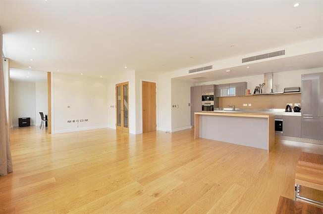 £6,716  per Calendar Month (Calculated), 4 Bedroom Apartment To Rent in London, SW1W