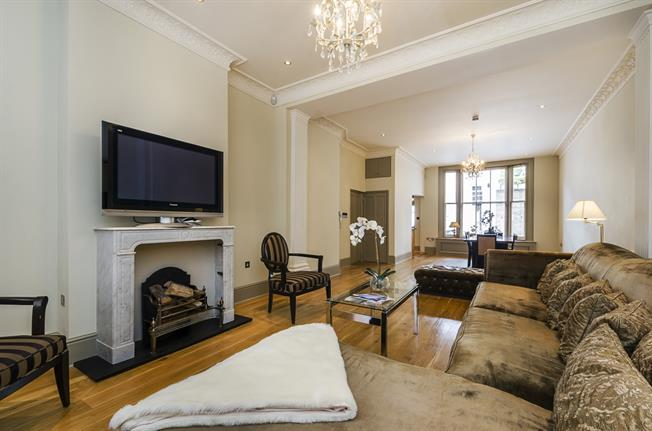 £11,266  per Calendar Month (Calculated), 3 Bedroom Apartment To Rent in London, SW3