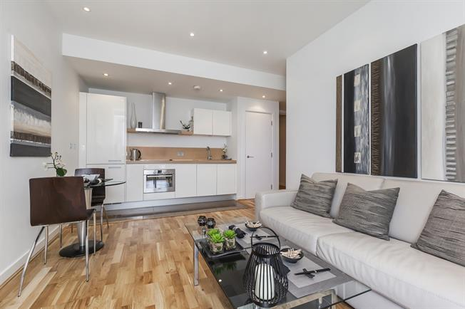 £2,145  per Calendar Month (Calculated), 1 Bedroom Flat To Rent in London, SW1W