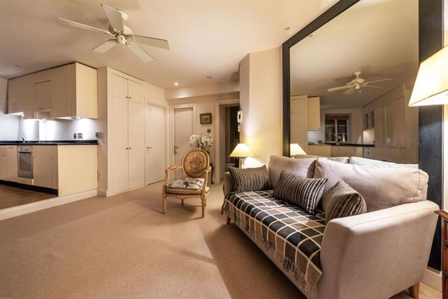 £3,466  per Calendar Month (Calculated), 2 Bedroom Flat To Rent in London, SW3