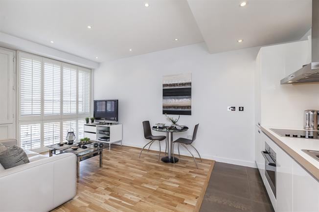 £2,816  per Calendar Month (Calculated), 1 Bedroom Flat To Rent in London, SW1W