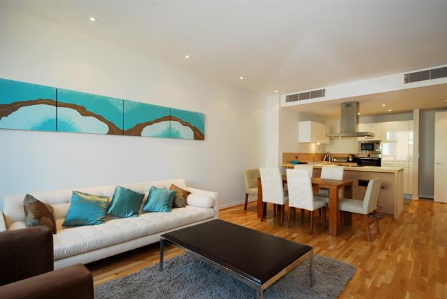 £4,008  per Calendar Month (Calculated), 3 Bedroom Apartment To Rent in London, SW1W