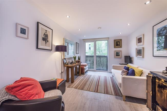 £2,816  per Calendar Month (Calculated), 1 Bedroom Apartment To Rent in London, SW1W