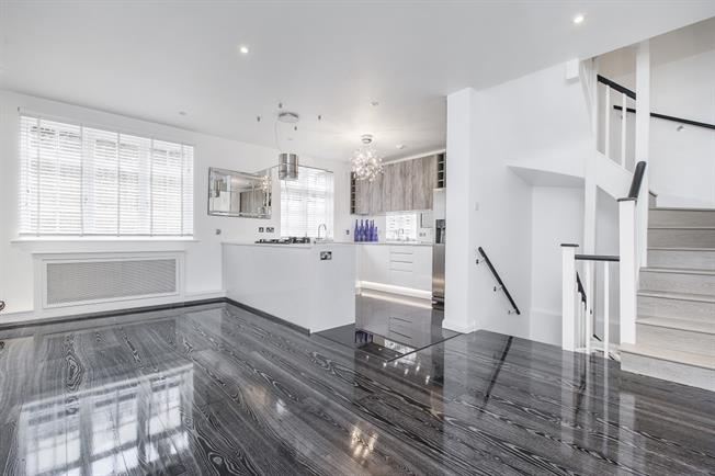 £9,750  per Calendar Month (Calculated), 5 Bedroom Terraced House To Rent in London, SW1X
