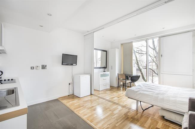 £1,733  per Calendar Month (Calculated), Flat To Rent in London, SW1W
