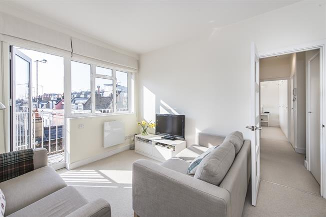 £2,101  per Calendar Month (Calculated), 1 Bedroom Apartment To Rent in London, SW3
