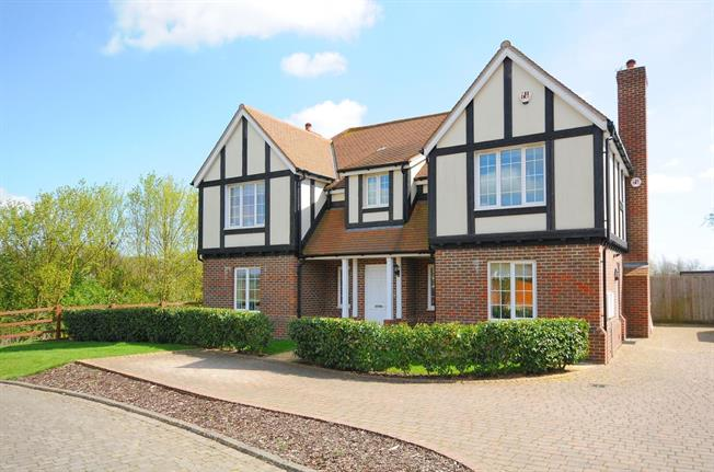 £3,000 per Calendar Month, 5 Bedroom Detached House To Rent in St. Albans, Herts, AL3