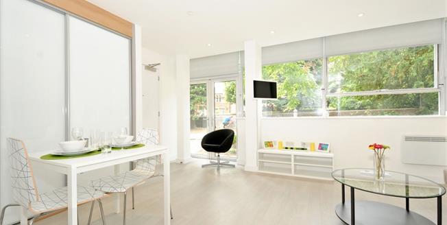 £850 per Calendar Month, Apartment To Rent in St. Albans, AL1