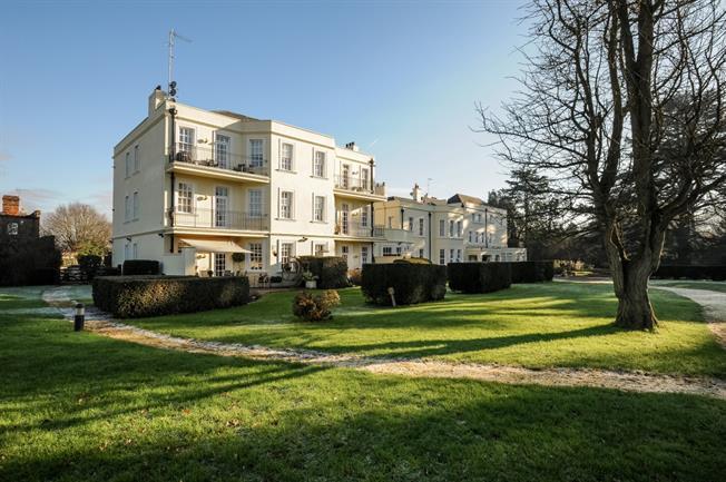 £1,995 per Calendar Month, 2 Bedroom Apartment To Rent in Tyttenhanger, AL4