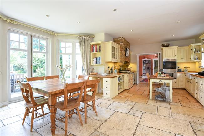 £4,000 per Calendar Month, 6 Bedroom House To Rent in Ayot St. Lawrence, AL6