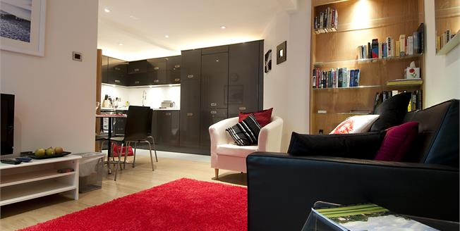 £4,008  per Calendar Month (Calculated), 2 Bedroom Apartment To Rent in St. Albans, AL1