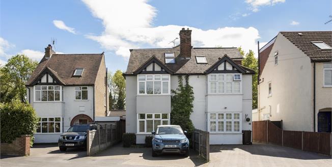 £1,995 per Calendar Month, 4 Bedroom Semi Detached House To Rent in St. Albans, AL4