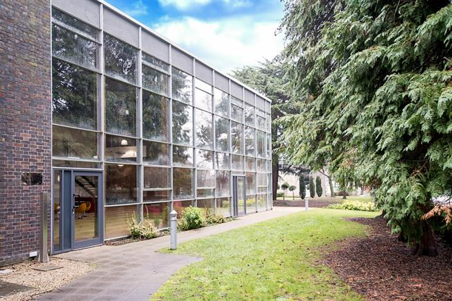 £875 per Calendar Month, Apartment To Rent in St. Albans, AL1