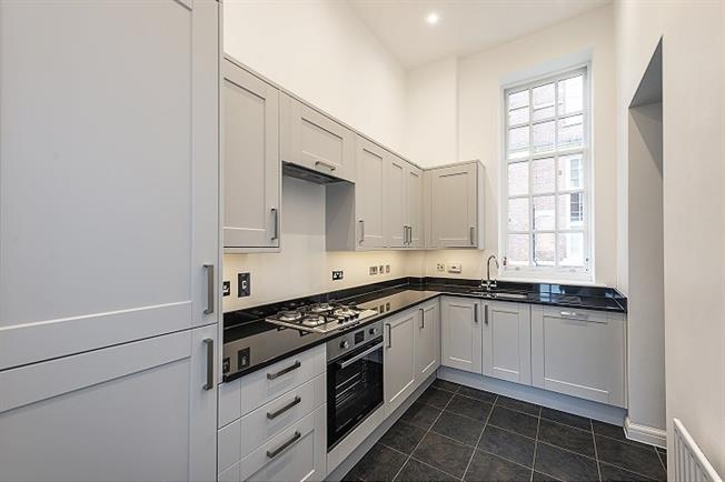 £1,150 per Calendar Month, 1 Bedroom Apartment To Rent in St. Albans, AL2