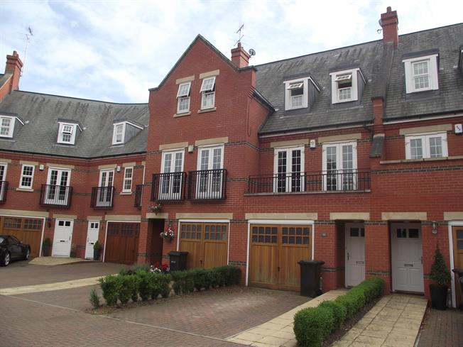 £2,396  per Calendar Month (Calculated), 3 Bedroom Town House To Rent in St. Albans, AL2