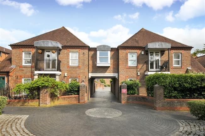 £1,395 per Calendar Month, 2 Bedroom Apartment To Rent in St. Albans, AL1
