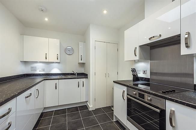 £1,100 per Calendar Month, 1 Bedroom Apartment To Rent in St. Albans, AL1