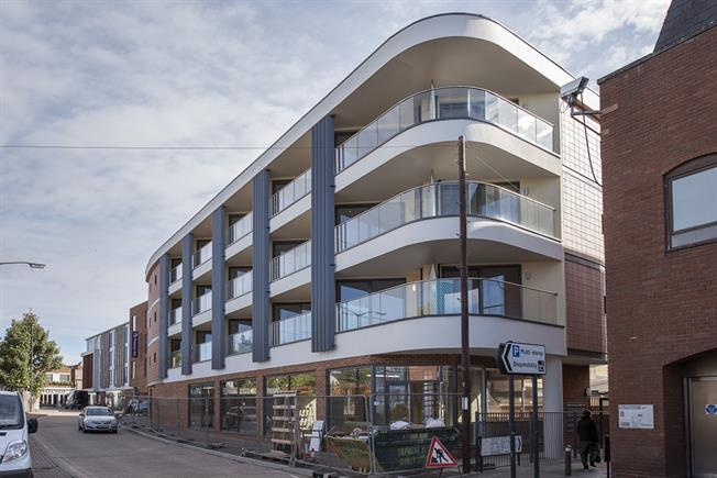 £1,100 per Calendar Month, 1 Bedroom Apartment To Rent in St. Albans, AL1