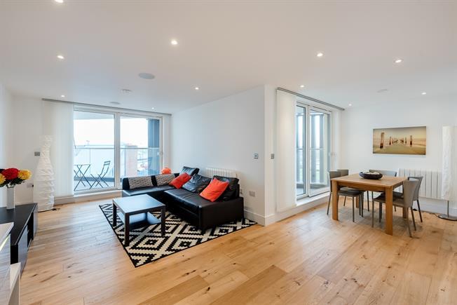 £1,750 per Calendar Month, 2 Bedroom Apartment To Rent in St. Albans, AL3