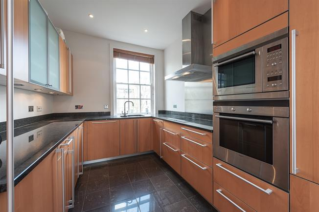 £6,933  per Calendar Month (Calculated), 3 Bedroom Flat To Rent in London, W9