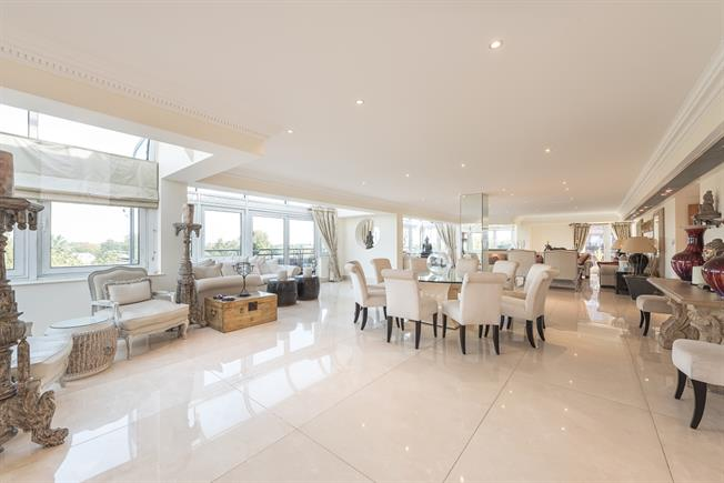 £25,783  per Calendar Month (Calculated), 5 Bedroom Apartment To Rent in London, NW8