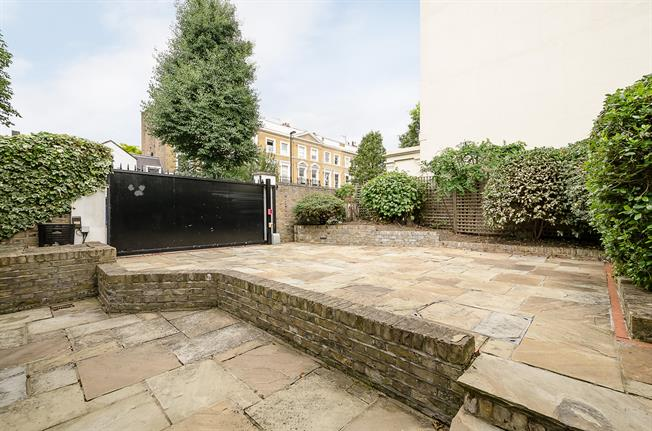 £7,366  per Calendar Month (Calculated), 4 Bedroom House To Rent in London, NW8