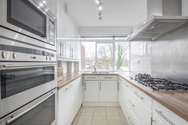 £2,383  per Calendar Month (Calculated), 2 Bedroom Apartment To Rent in London, NW6