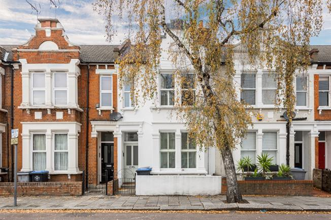 £3,640  per Calendar Month (Calculated), 2 Bedroom Flat To Rent in London, NW6